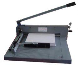 Máy cắt giấy bằng tay BT827